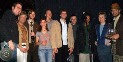 Gruppenfoto mit allen AutorInnen